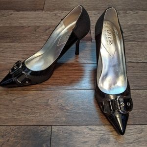 Guess black pumps with buckle detail